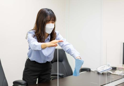 飛沫感染防止用アクリル板の除菌